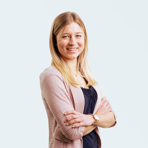 fb-industry-automation-julia-stadler-marketing-manager