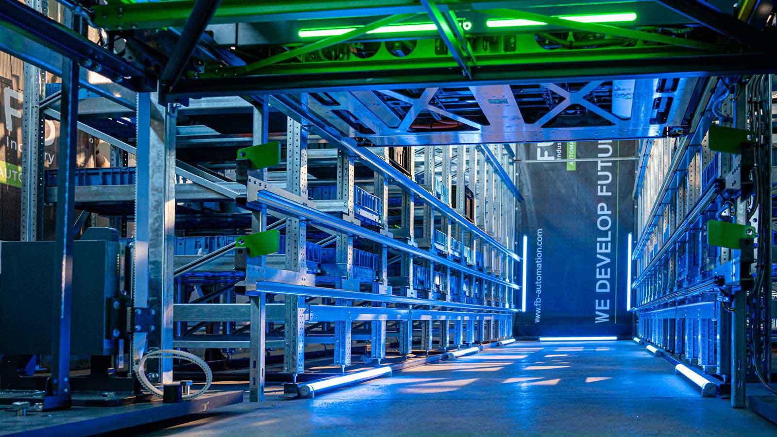 fb-intralogistik-shuttles-wir-entwickeln-zukunft-fb-industry-automation